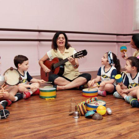 Educação Infantil – Sala de música