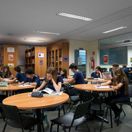 Ensino Médio – Biblioteca