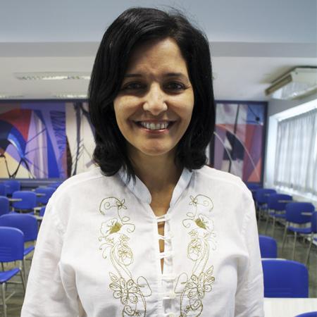 Cláudia de Oliveira